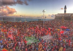 Fora Temer e Diretas Já: Ato no Farol da Barra reuniu 100 mil pessoas