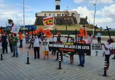 """Ato da CTB: """"Dia de luto e Dia de luta pela vida"""" denuncia mais de 100 mil mortos"""