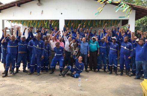 3º dia de paralisação na Emissão (Embasa), por atraso de salários