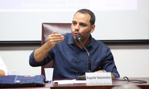 Ataque do governo ao salário mínimo prejudica o país, afirma Augusto Vasconcelos