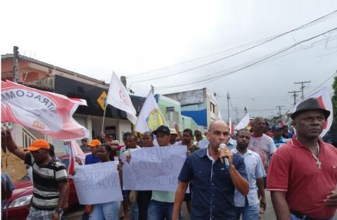 A luta em Alagoinhas: Hélix fecha as portas e não paga trabalhadores (as)